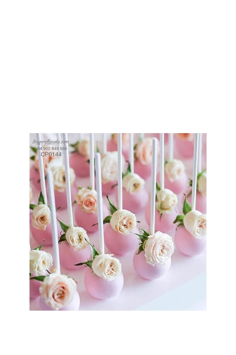 Cakepop hoa hồng trắng cho phụ nữ