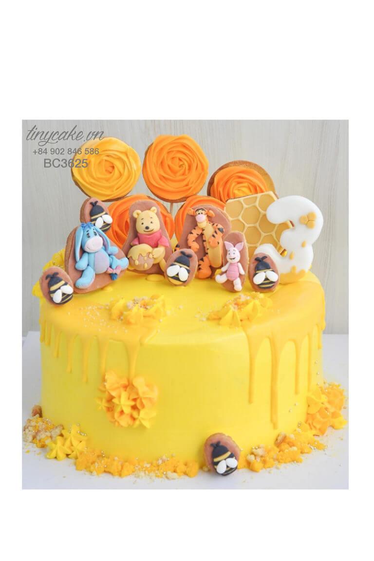 bánh kem fondant gấu Pooh