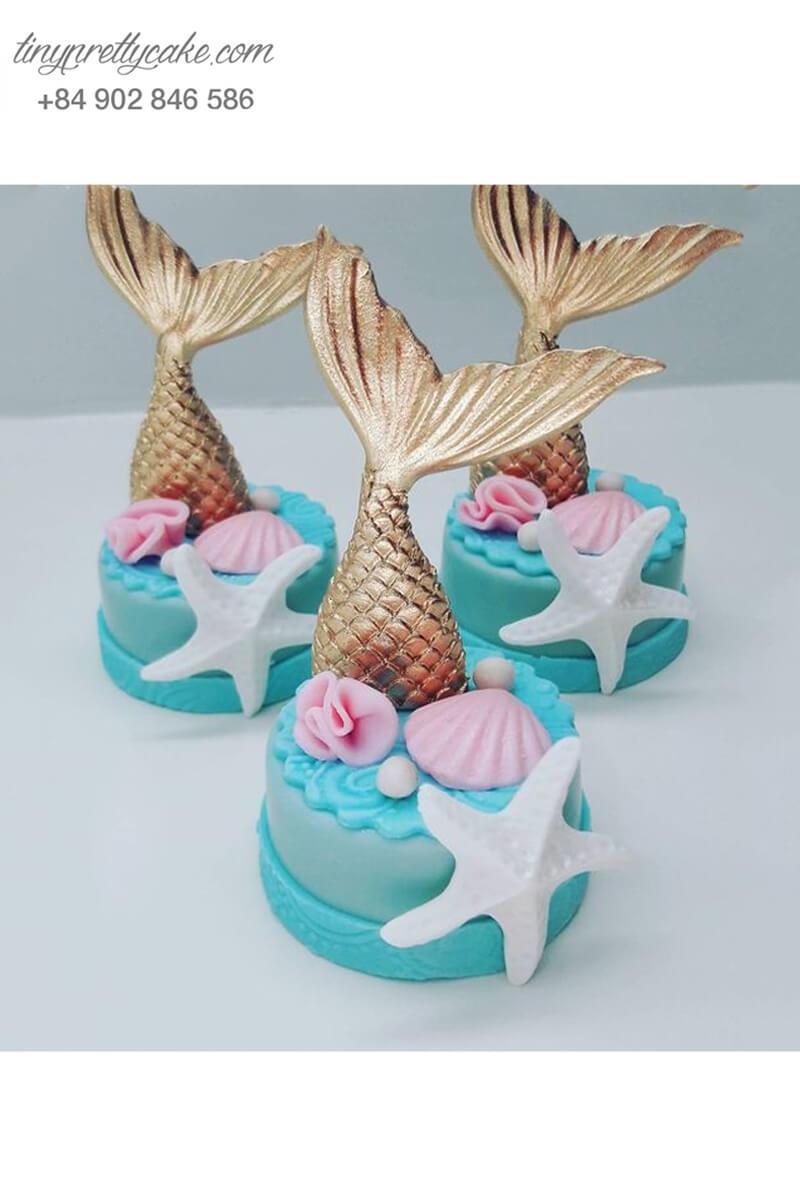 Bánh Cupcake hình đuôi nàng tiên cá giữa biển mừng sinh nhật các bé