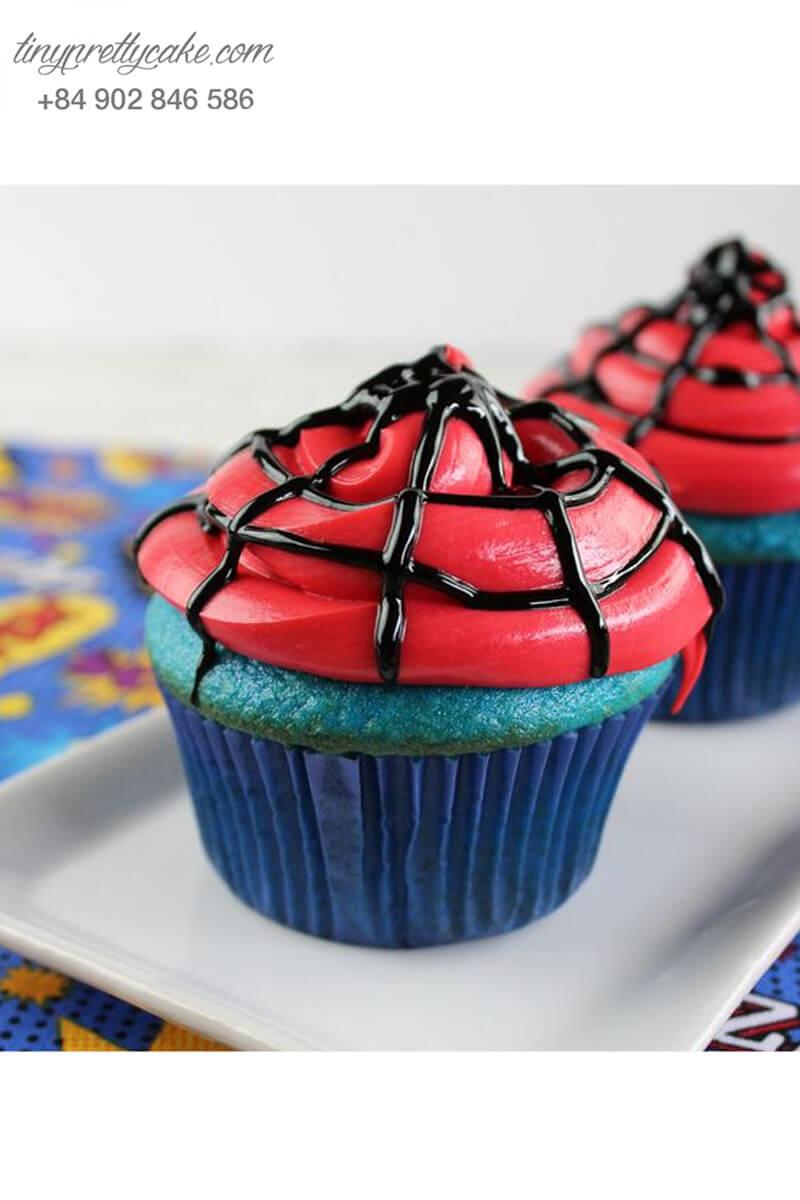 Bánh cupcake hình mạng nhện Spiderman huyền bí mừng sinh nhật các bé
