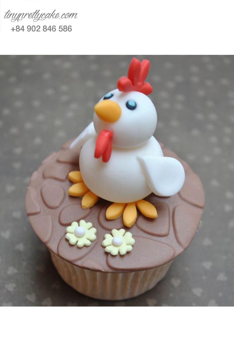 """Bánh Cupcake hình gà trống """"cực cool"""" mừng sinh nhật bé yêu"""