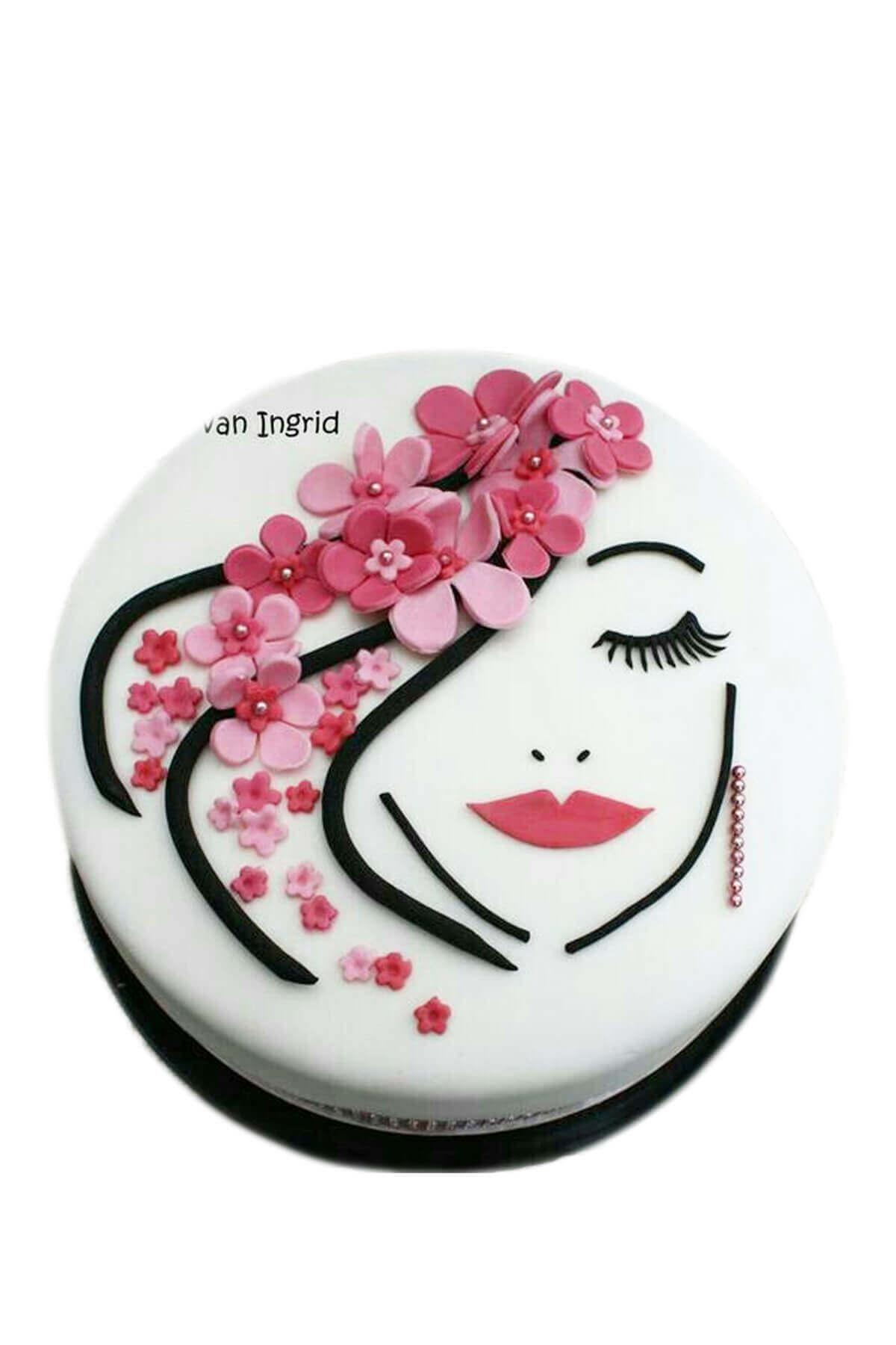 bánh sinh nhật hình mặt cô gái