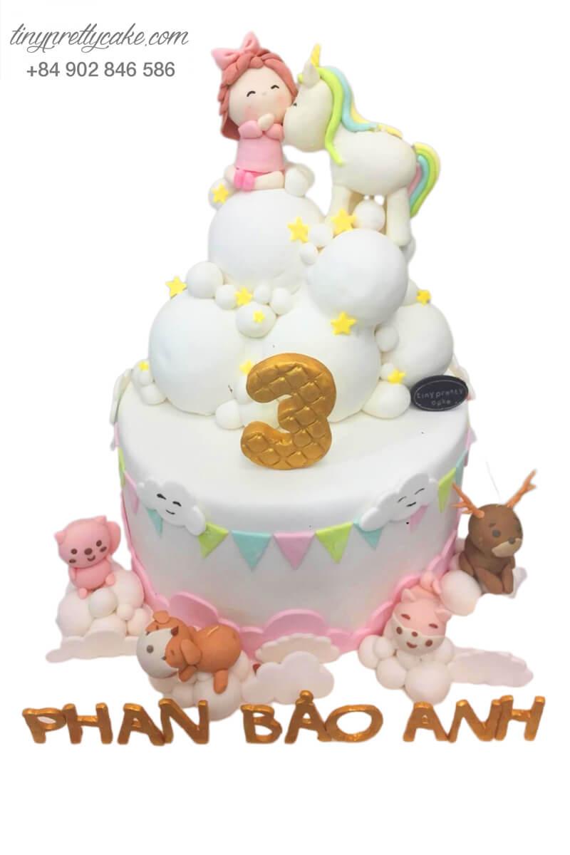 bánh sinh nhật Unicorn và bé gái