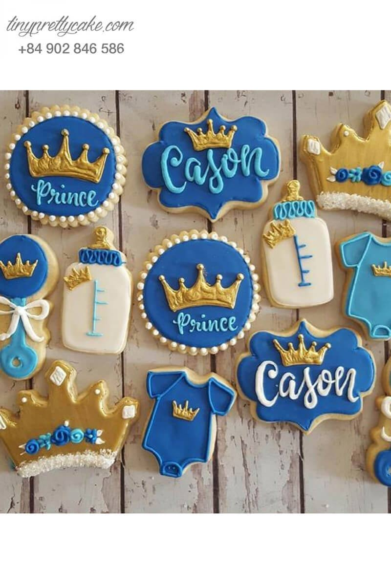 bánh cookie trang phục hoàng tử