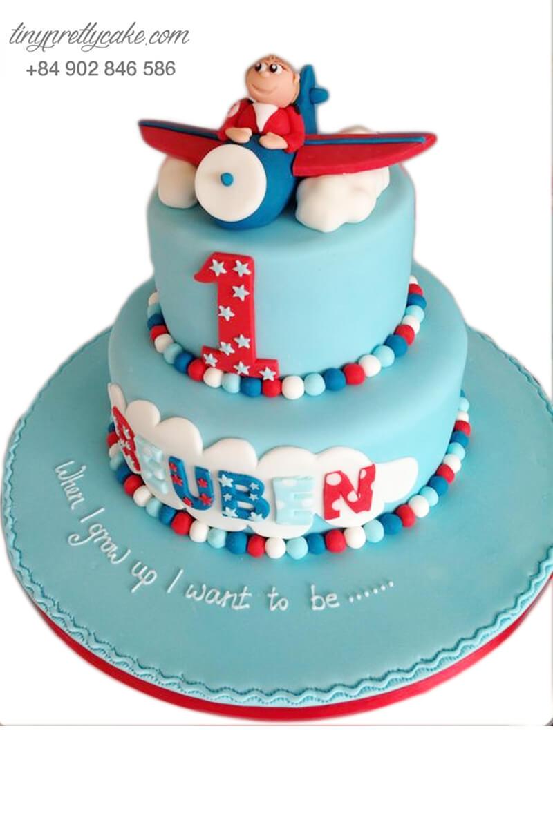 Bánh sinh nhật bé và máy bay