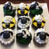 """Set 9 cupcake hình cừu """"ngoan ngoãn"""" mừng sinh nhật các bé"""