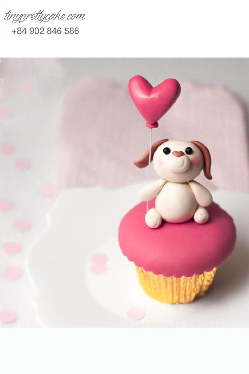 Bánh Cupcake chú chó thả bóng bay hình trái tim dành tặng sinh nhật, thôi nôi các bé hoặc mừng Lễ tình nhân Valentine