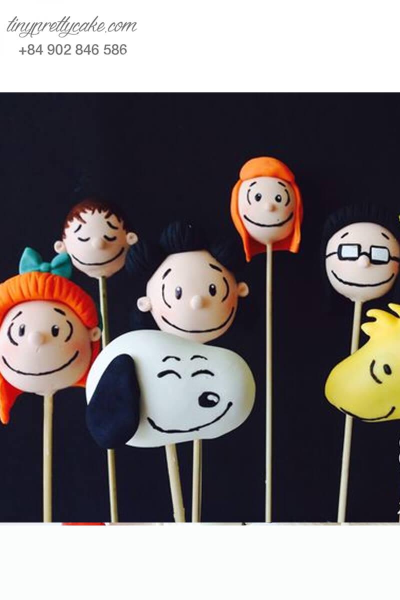 bánh cakepop hình chó Snoopy