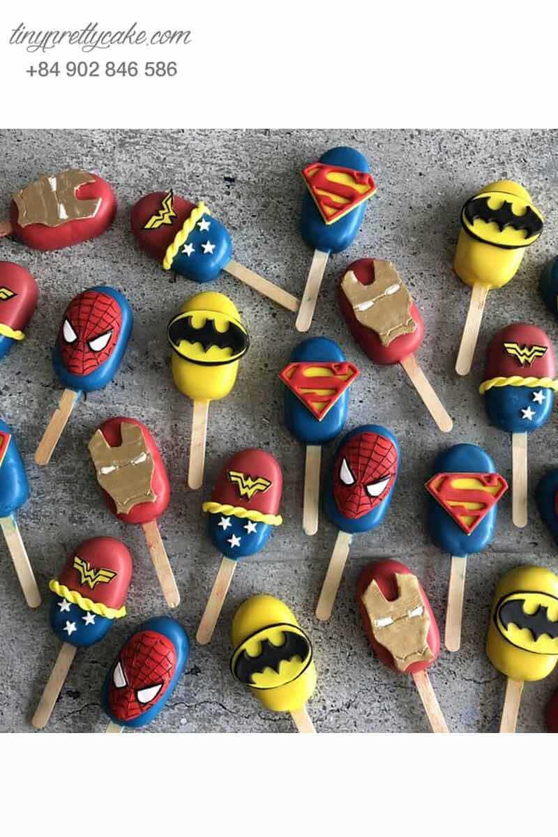 cake pop tạo hình siêu anh hùng Avenger