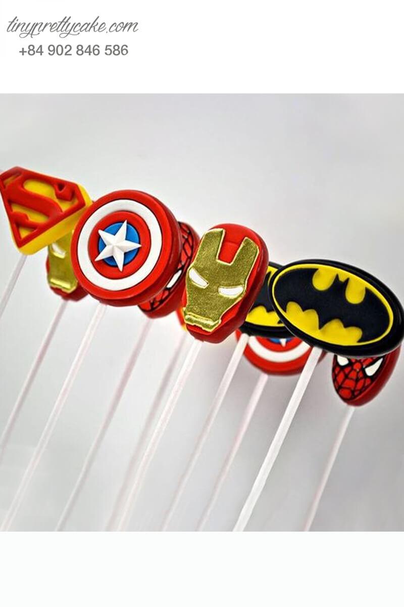 cake pop hình biểu tượng siêu anh hùng