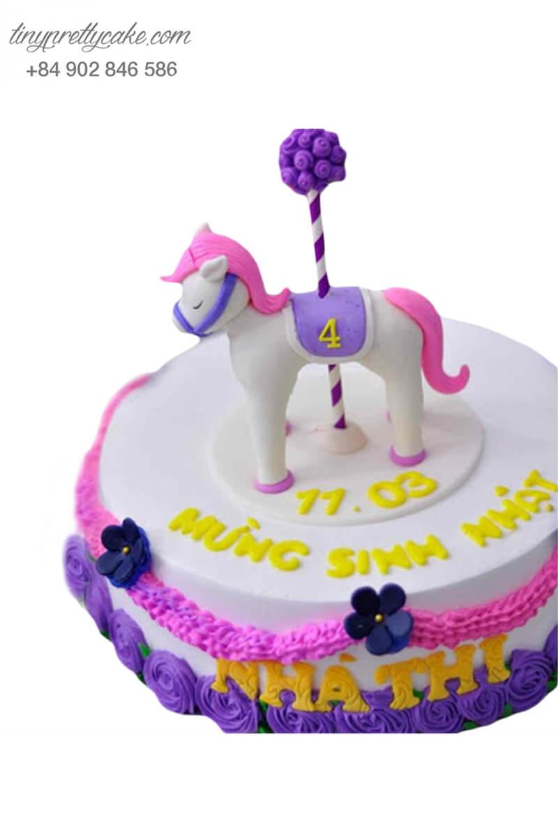 bánh sinh nhật hình con ngựa dễ thương