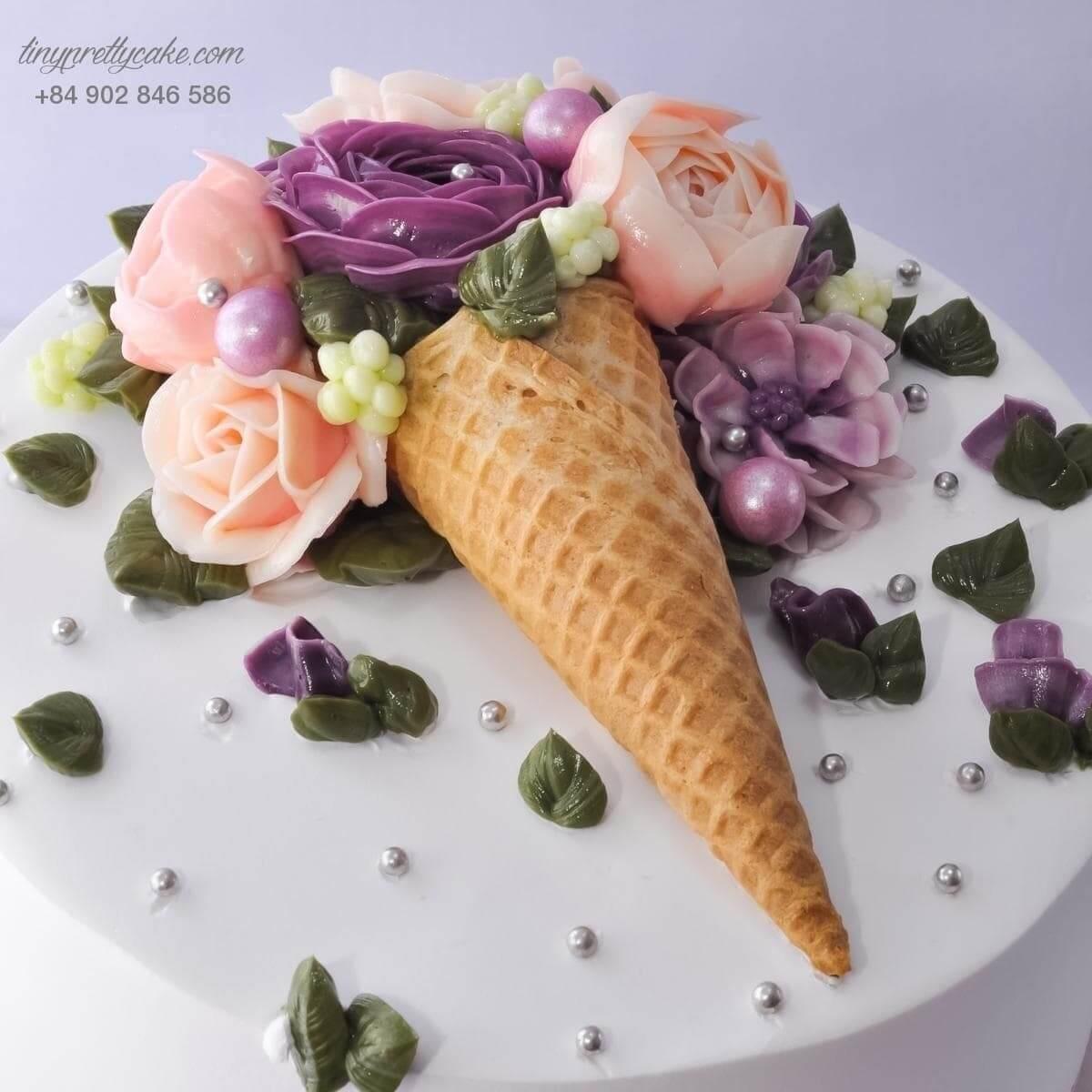 Bánh sinh nhật kem bơ ốc quế bắt mát cho phái nữ