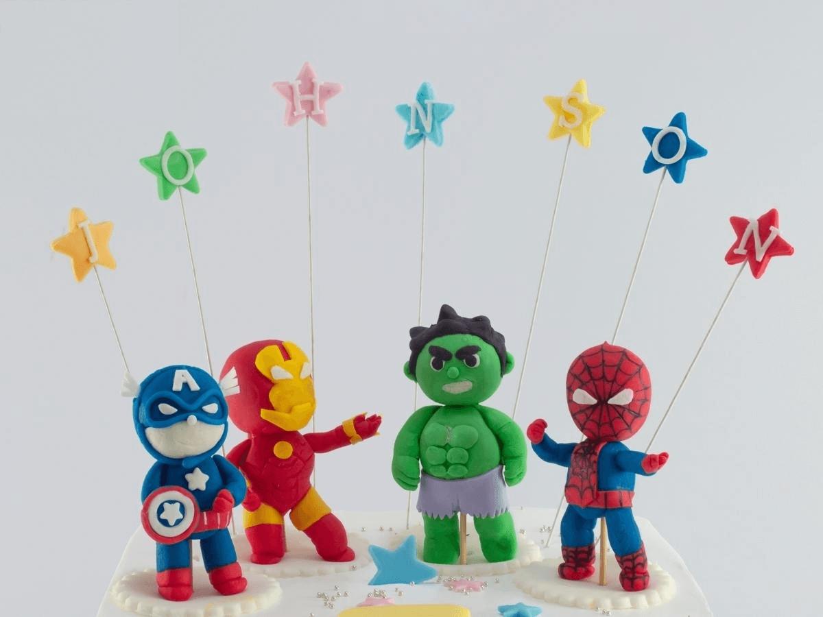 Bánh sinh nhật biệt đội Avenger độc đáo cho bé trai (BF1300)