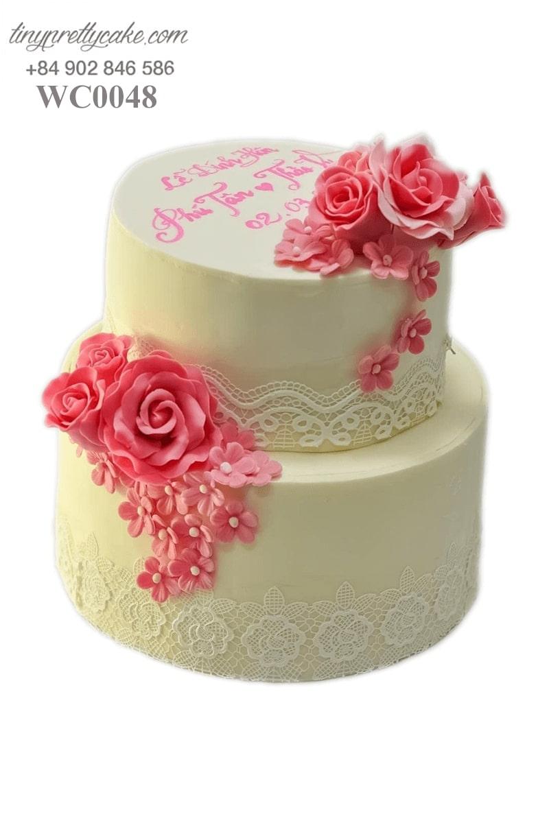 bánh cưới 2 tầng hoa hồng