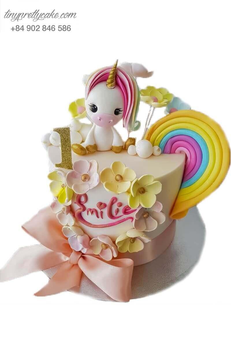 bánh sinh nhật Unicorn và hoa