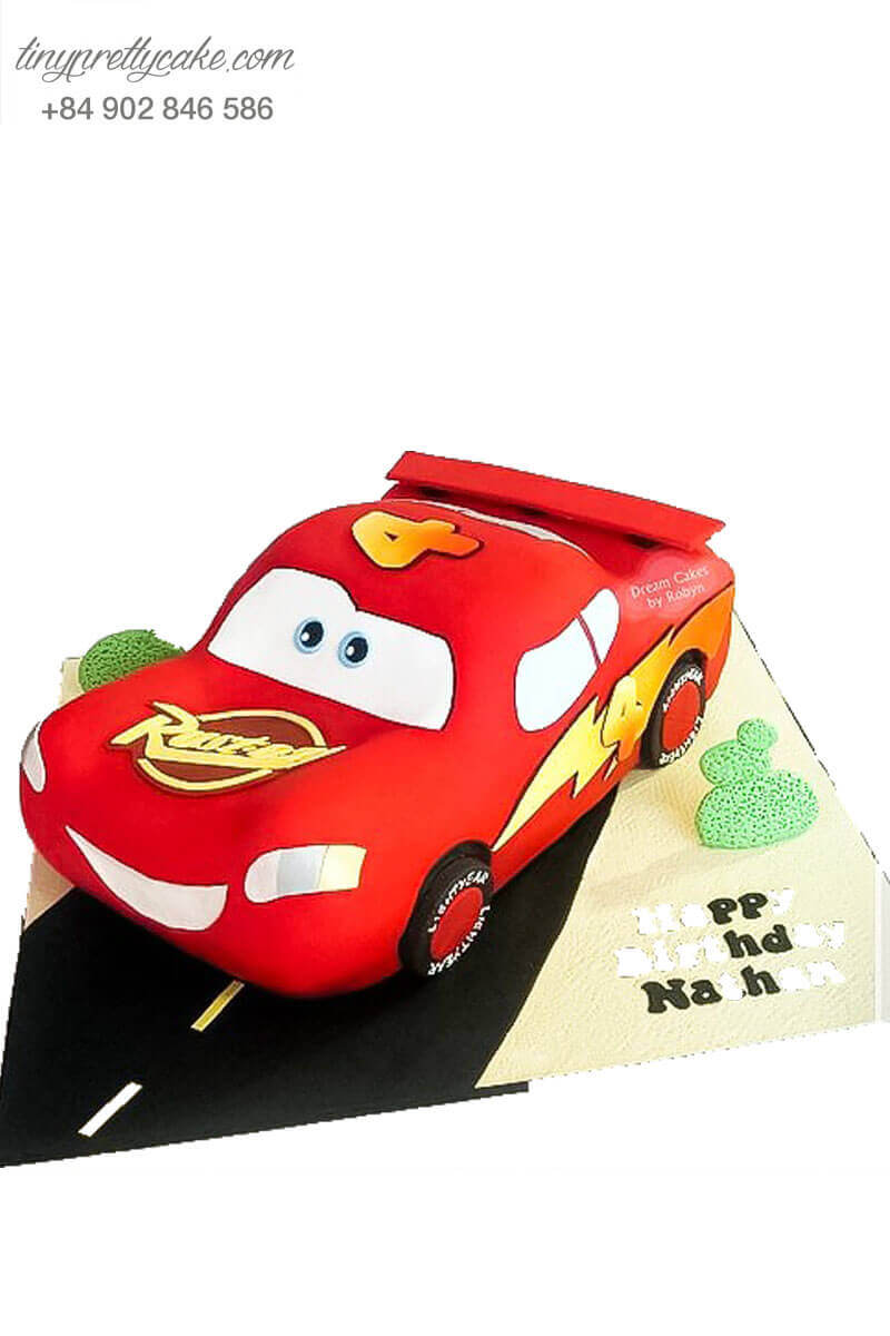 Bánh fondant xe đỏ mcqueen