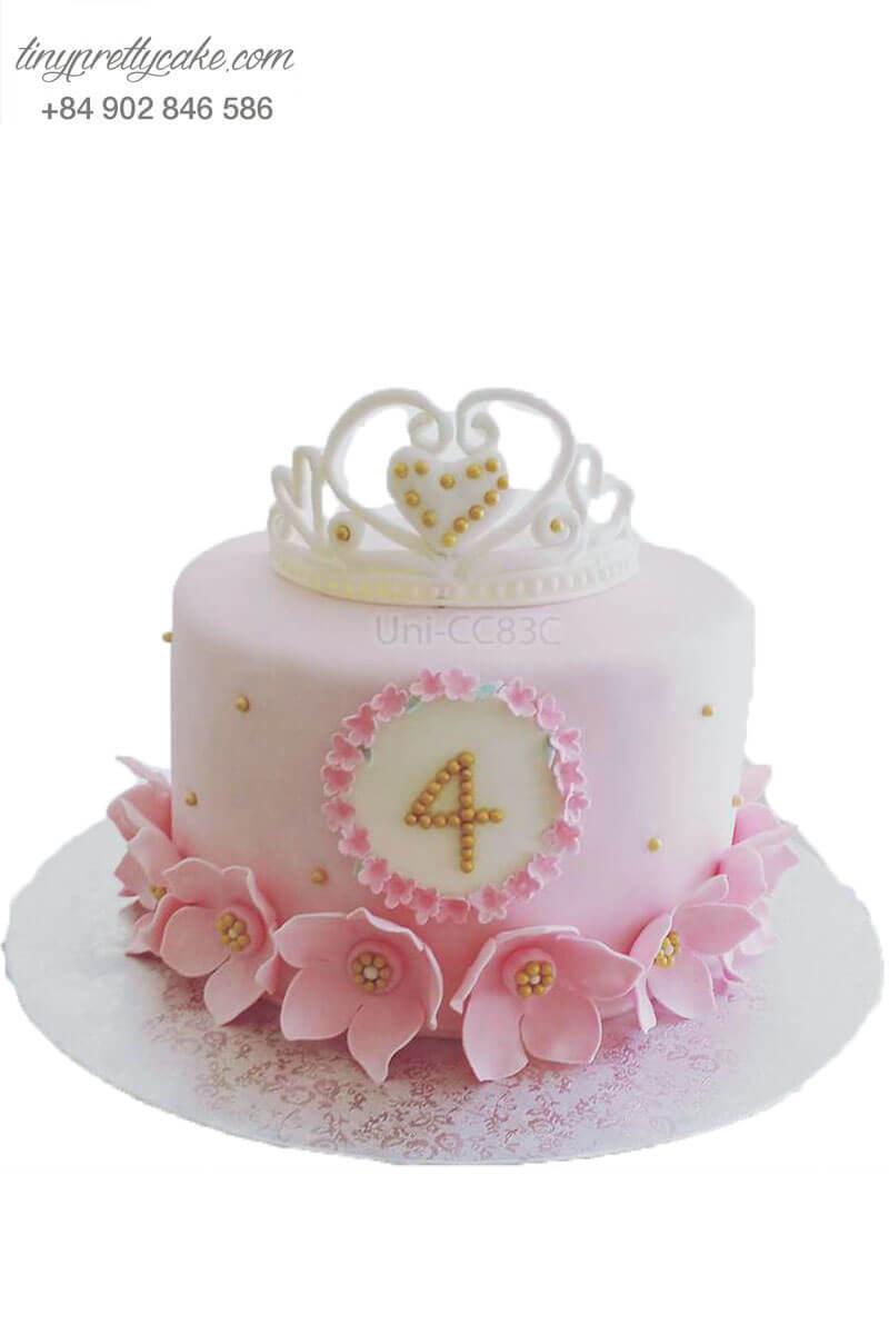 bánh sinh nhật vương miện và hoa