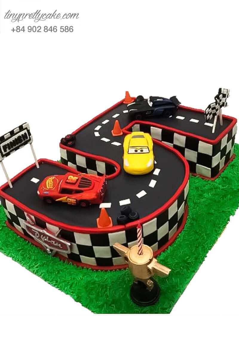 bánh fondant xe đua tạo hình số tuổi