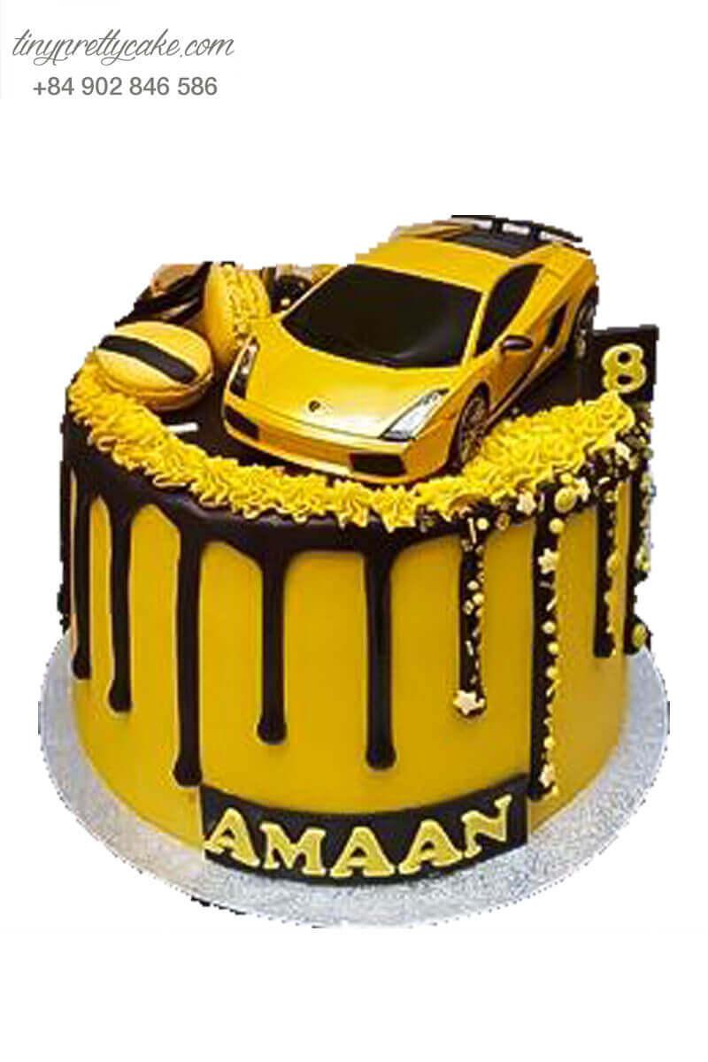 Bánh fondant xe đua màu vàng