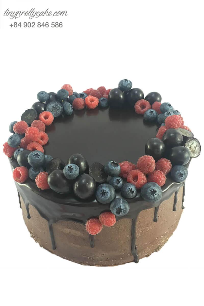 bánh kem chocolate trái cây