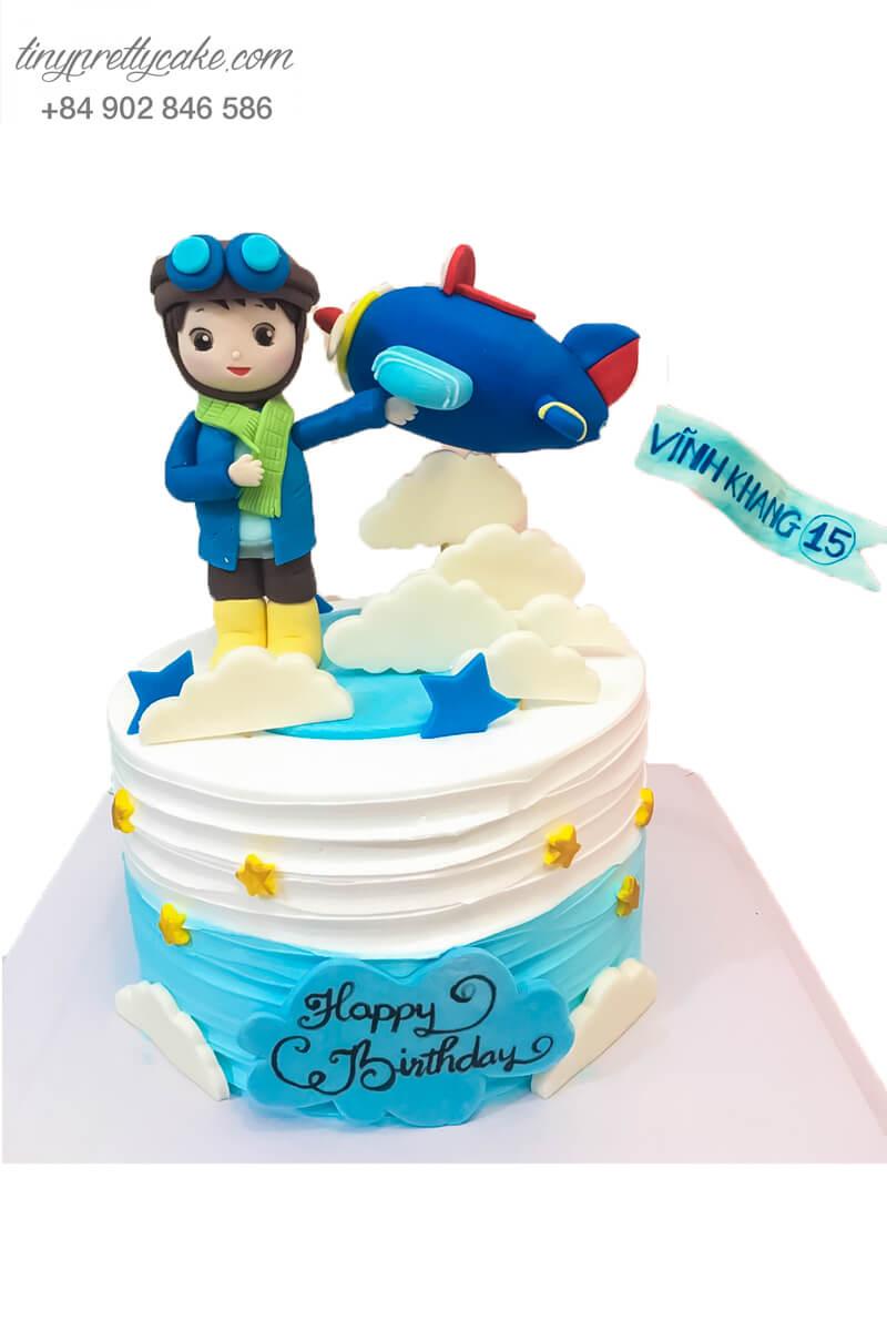 Bánh gato sinh nhật theo chủ đề phi công tặng bé trai