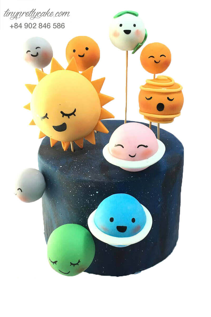 bánh sinh nhật hình các hành tinh