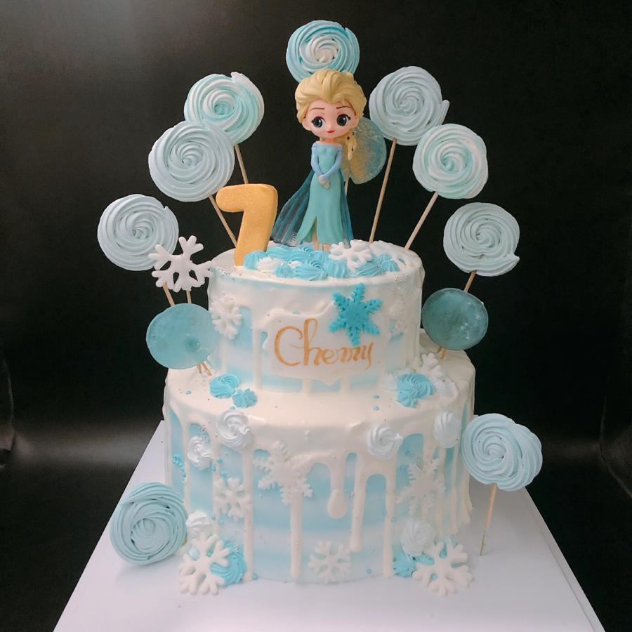 Bánh kem sữa sinh nhật 2 tầng chủ đề Elsa cho bé gái