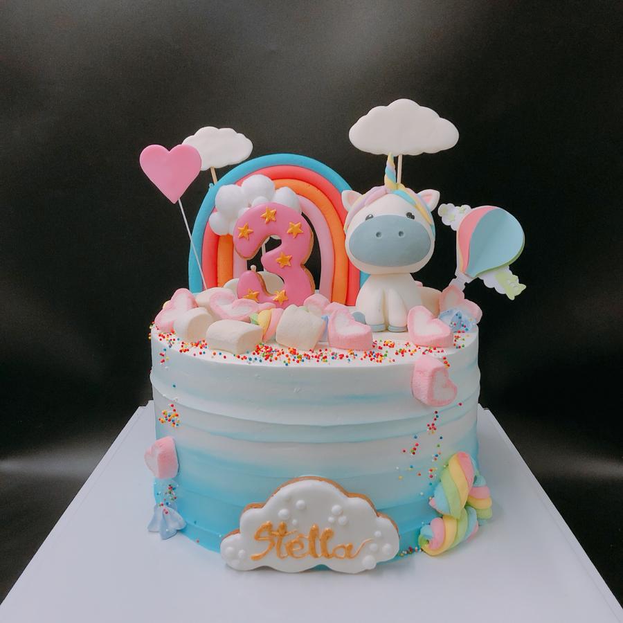 Bánh kem sữa sinh nhật chủ đề unicorn cho bé gái