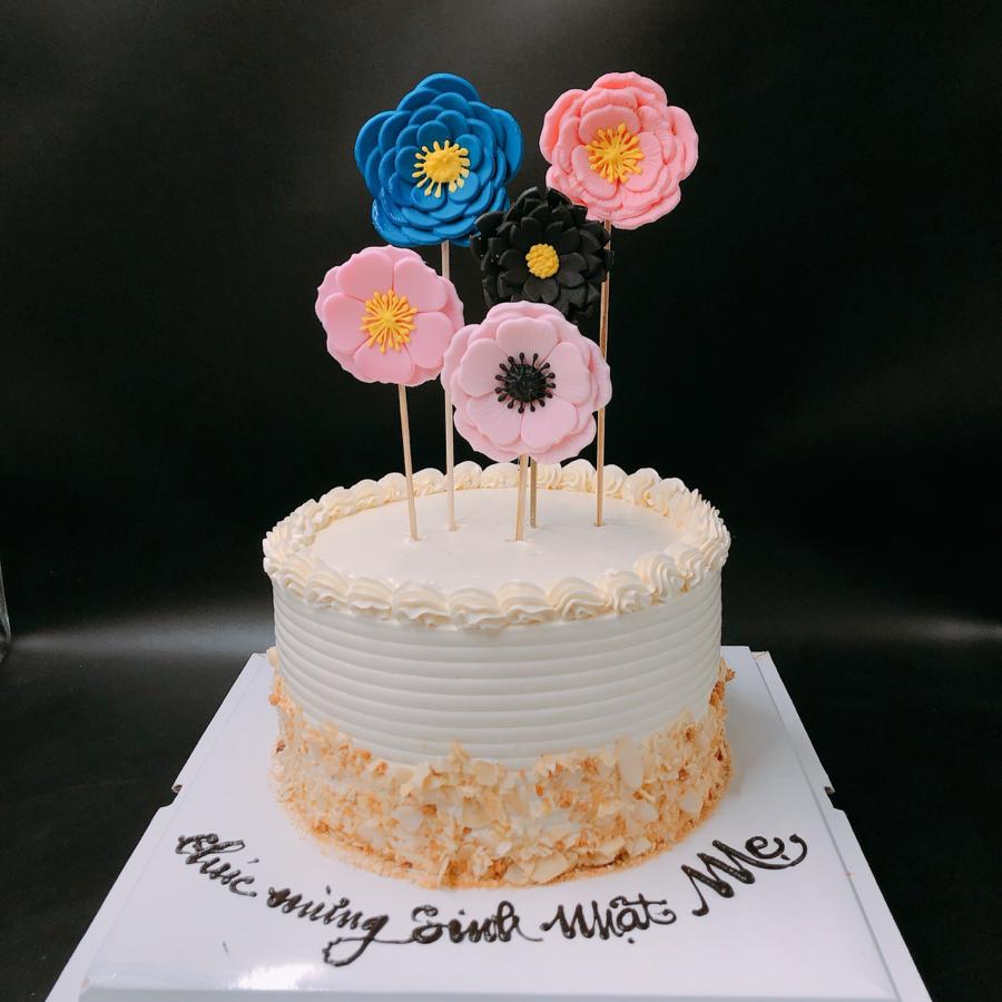 Bánh sinh nhật đơn giản cho mẹ dạng kem bơ