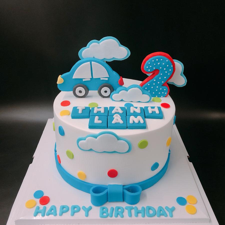 Bánh sinh nhật cho bé trai chủ đề xe kem sữa