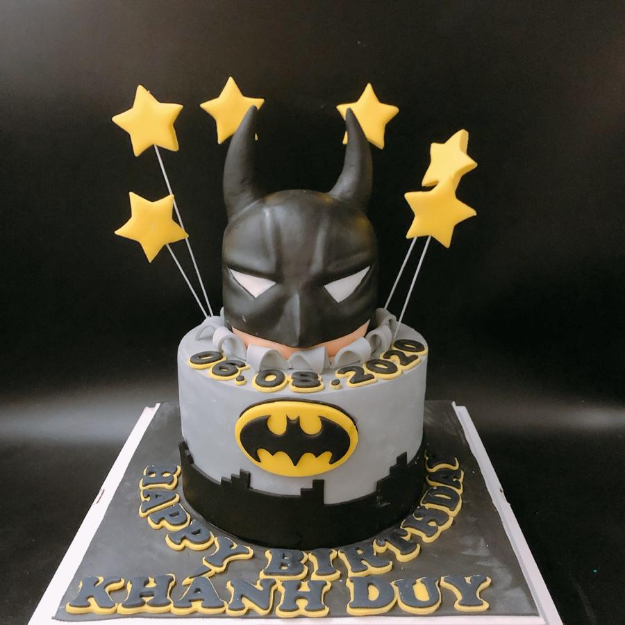 Bánh fondant chủ đề Batman siêu nhân cho sinh nhật bé trai