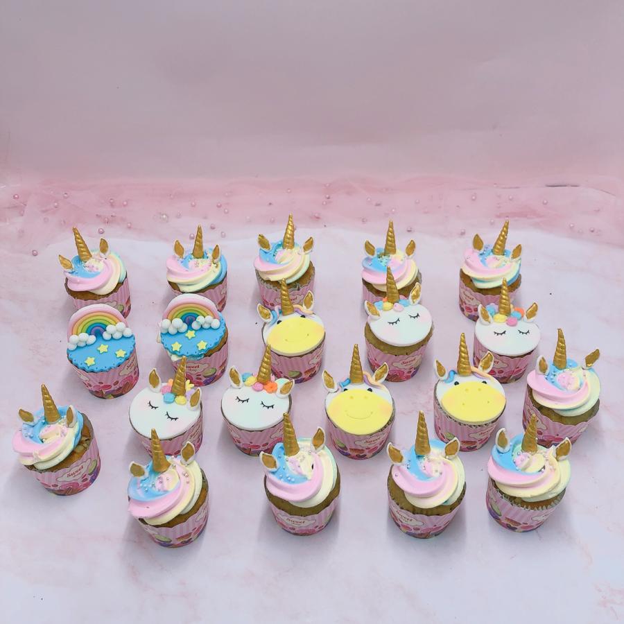 17 bánh cupcake unicorn size nhỏ