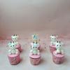 4 bánh cupcake tặng cho bé gái