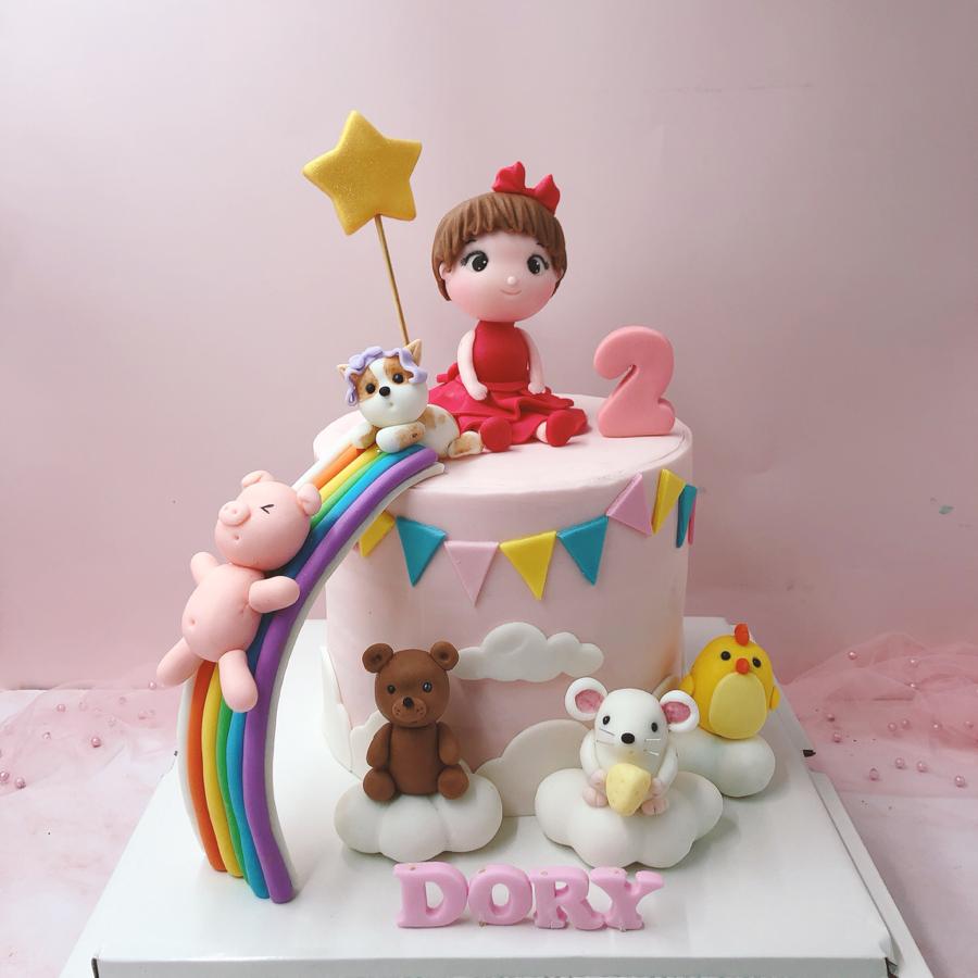 Bánh fondant chủ đề chuột và bé gái cho ngày sinh nhật