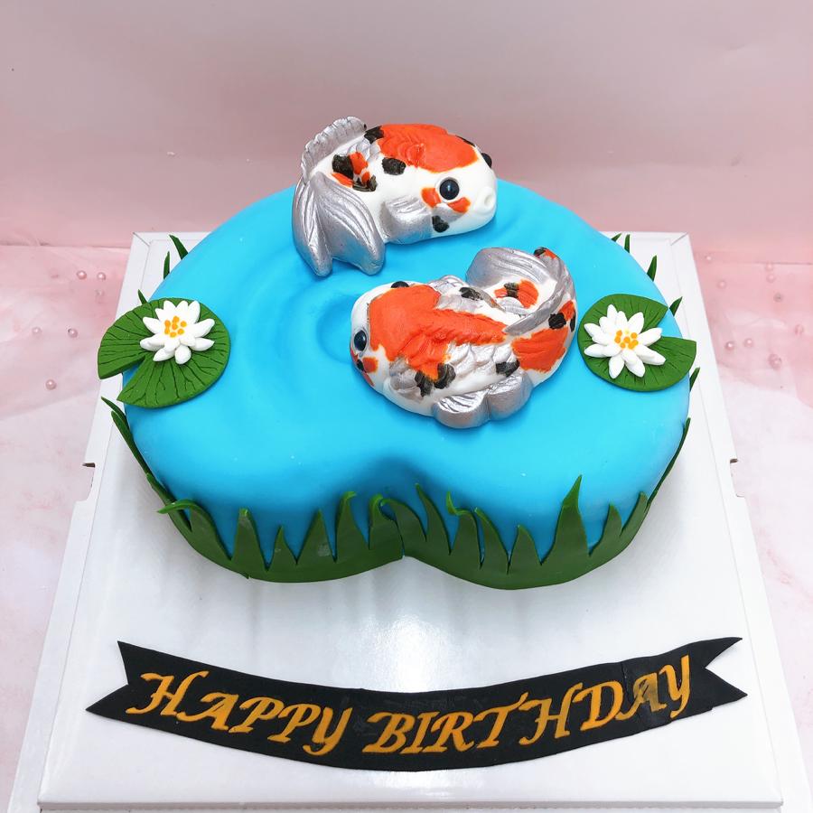 Bánh fondant trang trí hình cá KOI