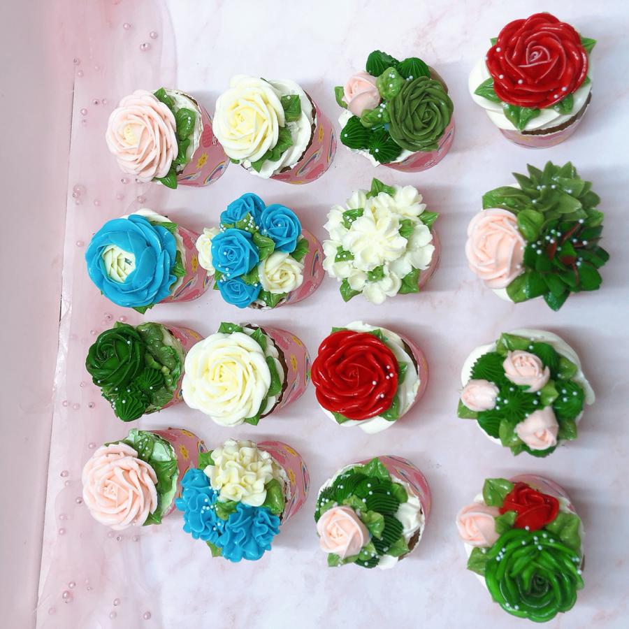 Cupcake hoa cho tiệc sinh nhật size lớn
