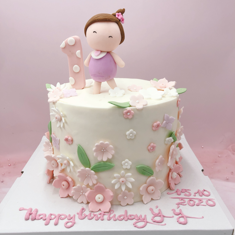Bánh fondant chủ đề bé gái múa ballet cho tiệc sinh nhật
