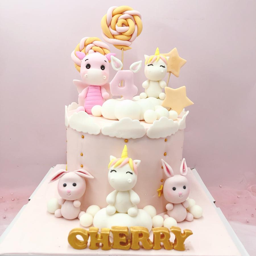 Bánh fondant chủ đề thú và unicorn cho bé