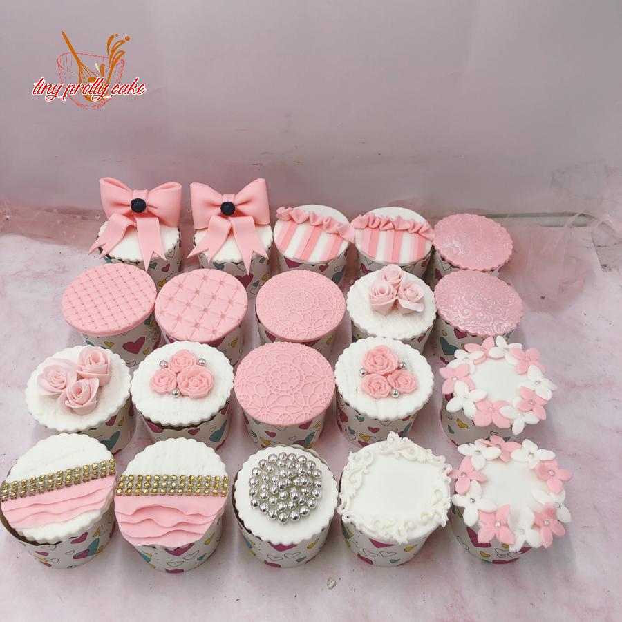 Set 20 Bánh cupcake chủ đề sinh nhật cho bé gái