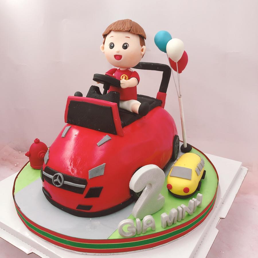 Bánh fondant xe hơi dành cho bé